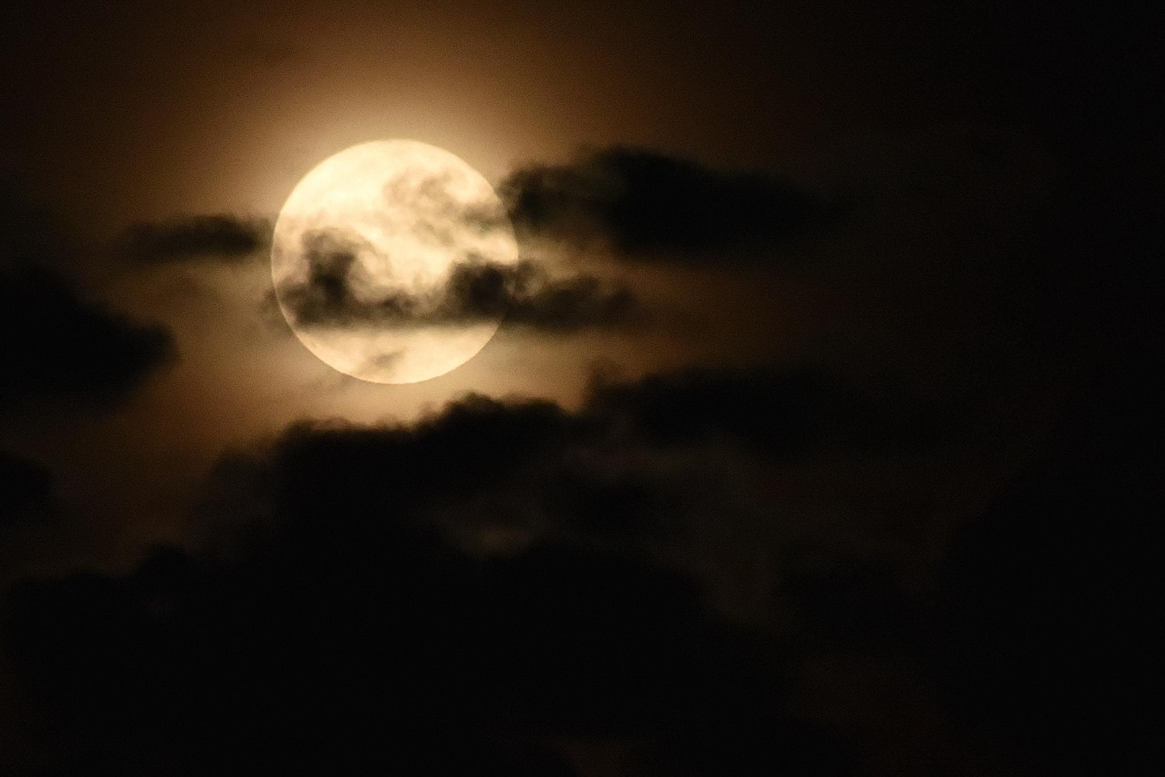 AS7_moon5.JPG